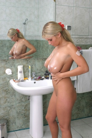 Huge Oiled Boobs Pics