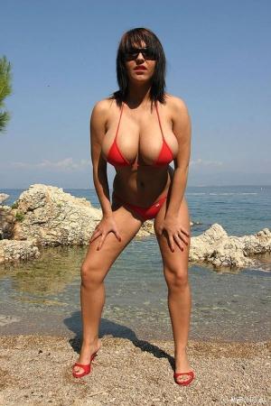 Huge Boobs Outdoors Pics