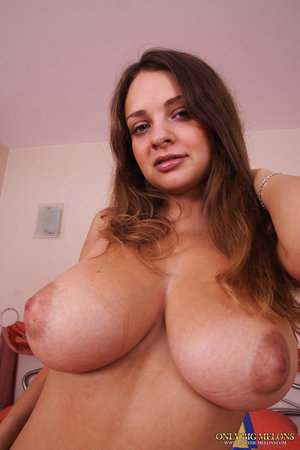 Huge Boobs Nipples Pics