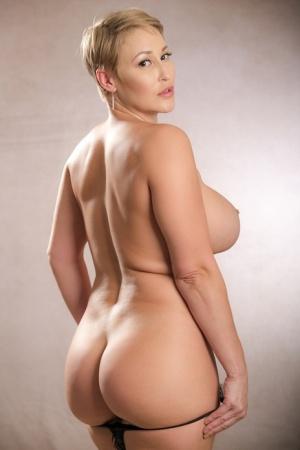 Huge Boobs Blonde Pics