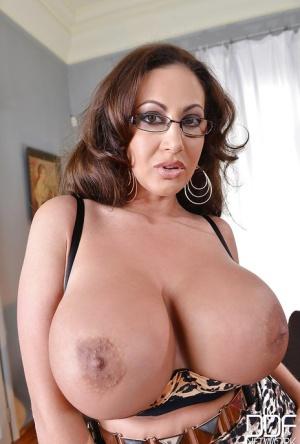 Huge Boobs Wife Pics