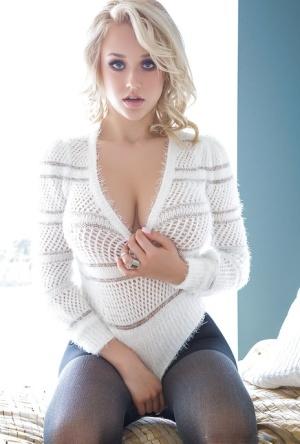 Huge Boobs Models Pics