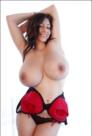 Huge Boobs Solo Pics